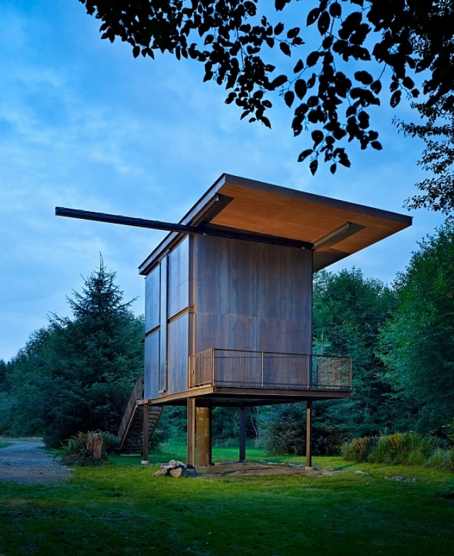 rugged steel cabin - Olson Kundig Architects