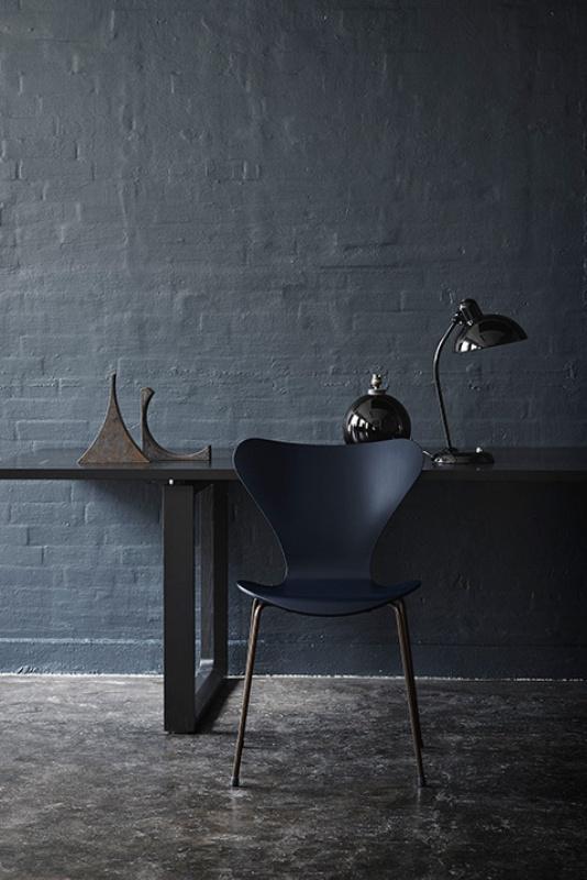sedia serie 7 anniversary arne jacobsen. Black Bedroom Furniture Sets. Home Design Ideas