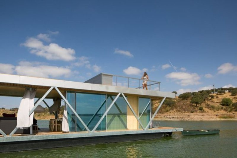 floating house by friday