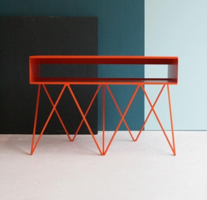 Mobili di metallo new design lover for Copia mobili di design