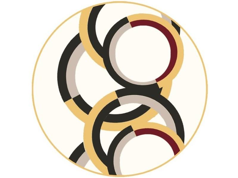Fra i tappeti realizzati su misura abbiamo scelto J pour Jaune firmato dall'illustratore francese Christian Roux e realizzato in lana neozelandese. Il decoro celebra la solarità del colore giallo con una colata di vernice che scende sul tappeto.